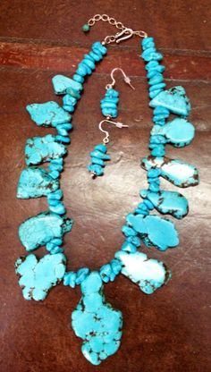 Ladies Chunky Turquoise/ Howlite necklace set