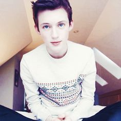 Troye Sivan!! OMG OMG OMG OHHH MAAA GAWWD THAT IS JUSG AHHHH ADORABLE I JUST CANT THIS IS TOO MUCH CUTENESS IN ONE GIF