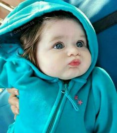 If you are lucky to have a baby girl or boy, you can easily understand power of baby charm. Cute babies are nothing less than marvels of joy. Cute Baby Boy, Very Cute Baby, Cute Little Baby, Baby Kind, Pretty Baby, Little Babies, Baby Love, Cute Kids, Cute Babies