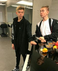 First Love✓[FF- Marcus and Martinus] - - Wattpad