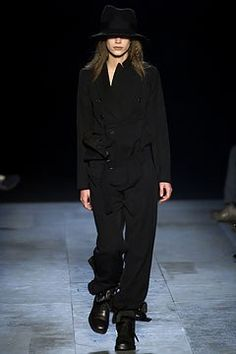 Ann Demeulemeester Fall 2003 Ready-to-Wear Collection Photos - Vogue