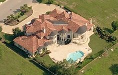 either the house is super big, or the pool is super small.  #scale