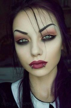 Her eyes shape