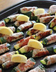 ブログズッキーニの豚しそ巻き縦 Japanese Lunch, Japanese Food, Pork Dishes, Love Food, Pasta Salad, Potato Salad, Zucchini, Food And Drink, Cooking Recipes