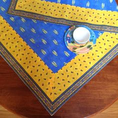 The colours of Provence! This blue and yellow cotton tablecloth will really brighten up your table!