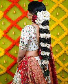 Pakistani Bridal Hairstyles, New Bridal Hairstyle, South Indian Bride Hairstyle, Bridal Bun, Bridal Braids, Bride Hairstyles, Bridal Style, Indian Hair, Fairytale Hair