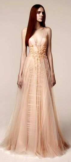 See more about basil soda, peach wedding dresses and couture gowns. Haute Couture Gowns, Couture Fashion, Zuhair Murad, Look Fashion, High Fashion, Fashion Design, Zac Posen, Marchesa, Elie Saab
