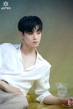 Eunwoo Discover Behind the scenes of Cha Eunwoos Singles Magazine ( July 2019 issue ) photoshoot. Photo album containing 32 pictures of Cha Eunwoo Hot Korean Guys, Cute Asian Guys, Korean Men, Asian Boys, Korean Celebrities, Korean Actors, Korean Idols, Kpop, Cha Eunwoo Astro