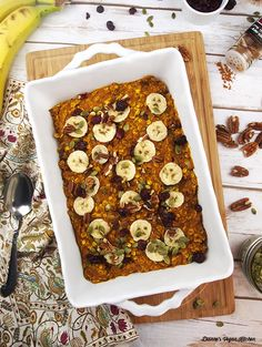 A warm and cozy bowl of gluten-free vegan Baked Pumpkin Oatmeal for breakfast will make getting out of bed a little easier on chilly autumn mornings. Healthy Pumpkin, Vegan Pumpkin, Pumpkin Recipes, Pumpkin Spice, Plant Based Breakfast, Fall Breakfast, Breakfast Ideas, Breakfast Club, Baked Pumpkin Oatmeal
