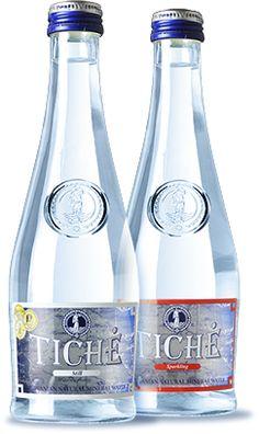 Tichė Water Packaging, Bottle Packaging, Bottle Labels, Brand Packaging, Bottles And Jars, Water Bottles, Glass Bottles, Water Shape, Agua Mineral