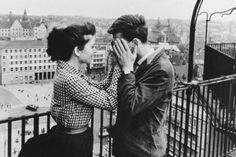 """Renate Blume and Eberhard Esche in """"Der geteilte Himmel"""" (The Divided Heaven) Berlin, 1964 - (The movie was directed by Konrad Wolf. Adapted from Christa Wolf's novel of the same name) """" """"Dê-me um beijo"""", disse Rita. Couples Vintage, Vintage Love, Cute Couples, Vintage Black, Vintage Romance, Vintage Photos, Vintage Style, From Dusk Till Down, Mia Farrow"""