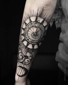 Our Website is the greatest collection of tattoos designs and artists. Find Inspirations for your next Geometric Tattoo. Search for more Tattoos. Hand Tattoos, Neue Tattoos, Forearm Tattoos, Body Art Tattoos, Sleeve Tattoos, Tatoos, Trendy Tattoos, Black Tattoos, Black Work Tattoo