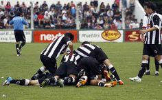 Todo Mar del Plata hace la montonera sobre Matías Faguaga, autor del primer gol del partido.