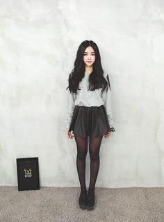 Korean Fashion Street - Spring