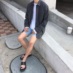Korean Fashion – How to Dress up Korean Style – Designer Fashion Tips Korean Fashion Summer, Korean Fashion Trends, Aesthetic Fashion, Aesthetic Clothes, Simple Outfits, Trendy Outfits, Korean Outfits, Style Casual, Men Casual