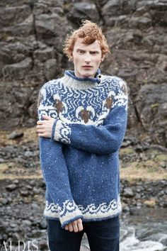 Álafoss - since Icelandic knitting yarn, Icelandic wool sweaters, Icelandic design and souvenirs at a reasonable price - world wide shipping. Knitting Yarn, Hand Knitting, Knitting Patterns, Hand Knitted Sweaters, Wool Sweaters, Handgestrickte Pullover, Icelandic Sweaters, Whittling, Pattern Books