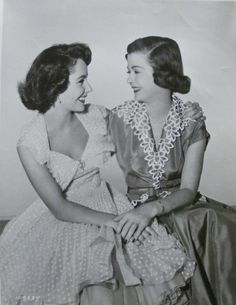 "Elizabeth Taylor & Joan Bennett, ""Father's Little Dividend"" (1951)."