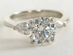 Classic Pear Shaped Diamond Engagement Ring | #wedding #engagement #ring