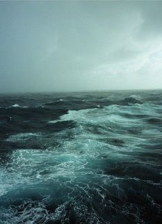 Stormy sea off the coast of Erimel – great nature photography in dark blue colors |photography . Fotografie . photographie | Photo: Stefan Georgi @ flickr |