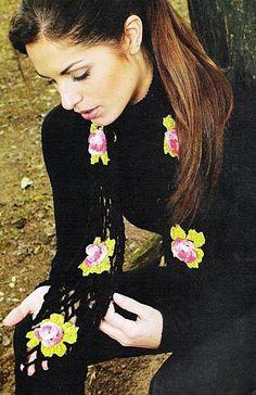 écharpe aux fleurs en relief