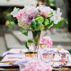 Garden inspired wedding flowers perfect for a spring or summer wedding! | The Party Goddess! #wedding #weddingflowers #flowers #weddingday #weddingplanner Post Wedding, Wedding Tips, Luxury Wedding, Elegant Wedding, Summer Wedding, Wedding Day, Wedding Flower Inspiration, Wedding Flowers, Wedding Coordinator
