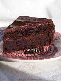 Születésnapi torta, a Sacher rajongó Férjemnek  A Sacher-torta, csokoládétorta, sárgabarack-lekvárral és csokolád...