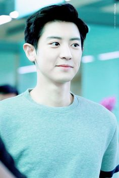#CHANYEOL at Incheon Airport. Why so handsome @real_pnh
