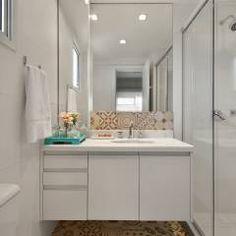 Baños de estilo translation missing: mx.style.baños.moderno por CR Arquitetura&paisagismo