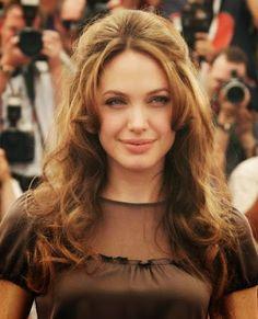Jolie hair angelina short