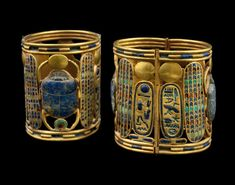 Two bracelets of Psusennes I These two bracelets are each decorated with a winged scarab as their major feature. The scarab holds the sun-disc in its front legs, and the shen-sign of infinity with its rear legs. The cartouches of Psusennes I can. Ancient Aliens, Ancient History, Egypt Museum, Ancient Egyptian Jewelry, Gold Art, Antique Jewelry, Jewels, Infinity, Bracelets