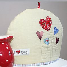 Tea cosy with hearts