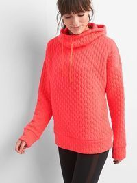 Take on your day with the latest women's performance activewear and workout clothes. Shop our GapFit women's collection today! Gap Outfits, Casual Outfits, Cute Outfits, Work Outfits, Gap Women, Fall Winter Outfits, Winter Clothes, Summer Outfits, Athletic Women
