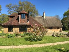 Large rural retreat in the Garden of England. Holiday house for rent from £150/PN with the added security of our fraud protection. 1987960
