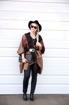 http://blog.letote.com/2015/12/23/wearing-the-poncho-trend-in-3-2-1/