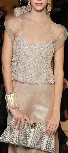 La mia scelta ed i miei gusti nel campo della moda, per classe ed elegante. Ninni -                   Armani Privé