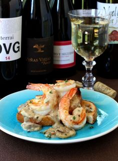 Shrimp in a creamy white wine cream sauce over toasted sourdough toast - for appetizers or dinner! #GranachaDay #wine