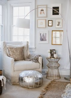 Metallic touches to any room make the space feel a bit more glam and girly.