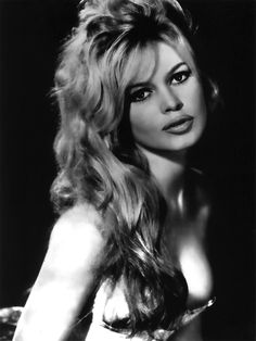 """Brigitte Bardot was Married to Roger Vadim who """"discovered her and stared in his iconic """"Et Dieu. Bardot became a star after """"And God . Roger Vadim was also married Jane Fonda and starred her in Barabella in Bridgitte Bardot, Bardot Hair, Bardot Makeup, Actrices Hollywood, French Actress, Classic Beauty, Beautiful Actresses, Divas, Movie Stars"""