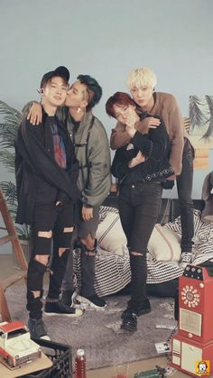 Love how cute winner give hug and a kiss on the cheek#winner#KangSeungYoon#LeeSeungHoon#SongMino#KimJinWoo