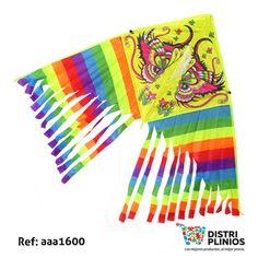 Divertida cometa con el dibujo de 2 mariposas con flores y arcoiris, con cola de colores, ideal para la temporada de agosto. Medidas Alto 65 cms Largo: 130 cms cola 53 cms de larga. Los precios de nuestro sitio web son al por mayor, el costo de los productos se incrementa en compras por unidad, cualquier inquietud comuníquese al 320 3083208 o al 3423674 o visítenos en la Calle 12 B # 8a – 03 Centro, Bogotá, Colombia.