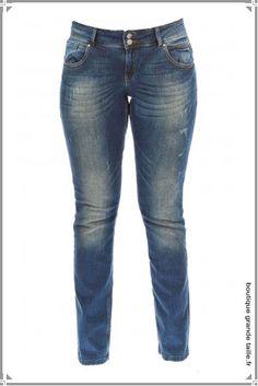 Le jean usé coupe slim jusqu'au 56.