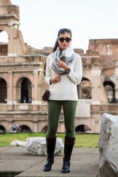 Stylish-outfit-to-wear-sightseeing-Italy-in-November