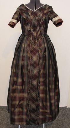Kleid um 1845-47 aus kariertem Taft (Abendvariante)