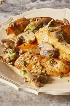 Chicken breasts are sauteed, then braised in Marsala wine and cream with mushrooms and green onion. Wonderful Recipe, Marsala Recipe, Chicken Marsala, 30 Minute Meals, Cooking Recipes, Easy Recipes, Quick Easy Meals, Chicken Recipes, Dinner Recipes