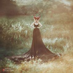 OKeyteam, арт, коллаж, портретная фотография, девушка, яркие волосы, свет, портрет, фэшн, платье, рыжие волосы, ходули, высокий рост, камыш, оленьи рога, рога, мистика, сказка www.okeyteam.com