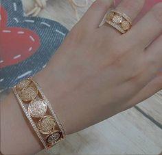 Bracelets – Page 8 – Modern Jewelry Gold Ring Designs, Gold Bangles Design, Gold Jewellery Design, Gold Jewelry, Jewelery, Fine Jewelry, Daisy Jewellery, Jewellery Uk, Handmade Jewellery