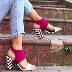 Mio Viva Fuşya Renk Siyah-Beyaz Zigzag Desenli Topuklu Sandalet  WhatsApp Bilgi & Sipariş : 0 (541) 2244 541  www.shoemodam.com