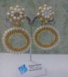 Son muchos los malos momentos q te encuentras en la vida...asi que disfruta cada uno de los buenos a lo máximo!!  #fatimapolanco #accessories #3estilos #luxuryaccessories #glamorous Soutache Jewelry, Beaded Earrings, Beaded Jewelry, Imitation Jewelry, Peyote Stitch, Brick Stitch, Wire Wrapping, Diy And Crafts, Jewelery