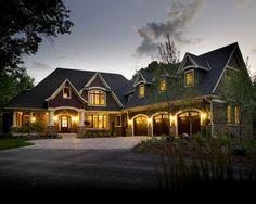 17 Ideas For Craftsman Exterior Remodel Car Garage Design Garage, Exterior Design, House Design, Custom Home Builders, Custom Homes, Custom Home Plans, Style At Home, Craftsman Exterior, Craftsman Style