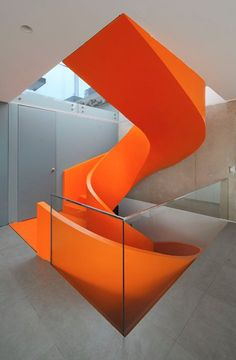 Modern Staircase Design in Casa Blanca, Asia District, Peru, 2015 - Martin Dulanto Sangalli (more pics on the site) Stairs Architecture, Residential Architecture, Interior Architecture, Orange Architecture, Gothic Architecture, Interior Stairs, Interior And Exterior, Orange Interior, Modern Interior